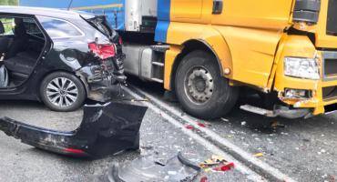 Jedna  osoba ranna i osiem rozbitych aut w Zbiersku