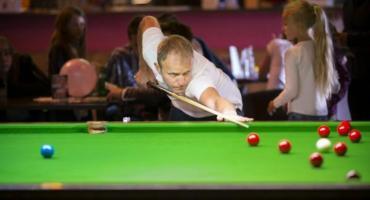 Dariusz Wiśniewski liderem rozgrywek Amnezja Snooker Cup Kalisz 2019