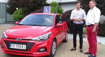 """Kaliska ,,Samochodówka"""" ma nowy samochód do nauki jazdy"""