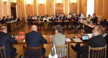 Uchwała Rady Miasta z okazji jubileuszu kaliskiej PWSZ