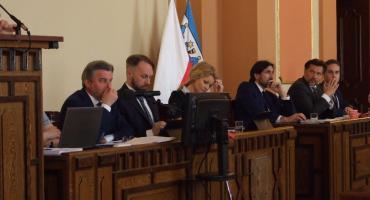 Stypendia, ławnicy, nauczyciele i studium zagospodarowania – XIV Sesja Rady Miasta