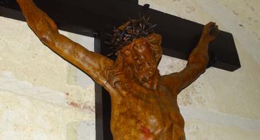 Do klasztoru sióstr Nazaretanek w Kaliszu powrócił odnowiony zabytkowy krucyfiks