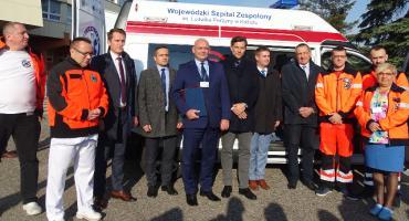 Szpital w Kaliszu otrzymał nową karetkę transportową