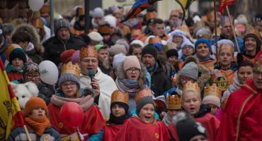 Ulicami Świecia przeszedł barwny orszak Trzech Króli - zobacz film