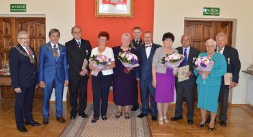 Od pół wieku razem. Cztery pary z 50-letnim stażem zostały dziś uhonorowane medalami