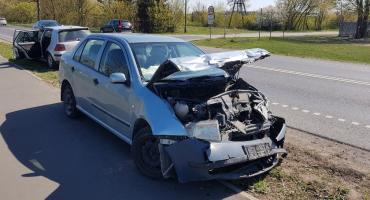 Wypadek w Przechowie. Tak się kończy jazda na zderzaku [ZDJĘCIA]