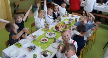 SP w Sierosławiu - walka o nią trwała 10 lat. Gmina zamknęła szkołę, więc rodzice otworzyli swoją. Klasy liczą nawet 3 uczniów