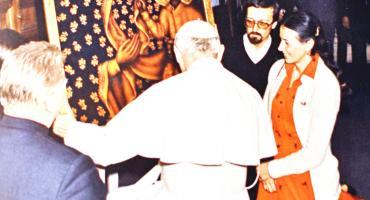 Gdzie w Starej Farze w Świeciu jest autograf Jana Pawła II? I dlaczego został tam złożony?