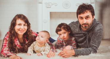 800 zł dla rodziców - podpowiadamy, jak zdobyć dodatkowe pieniądze od marszałka