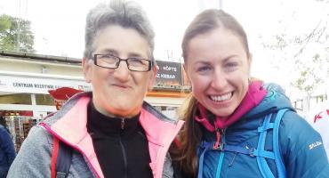 Gabriela Sulecka na zawodach w Mielnie odebrała gratulacje od Justyny Kowalczyk