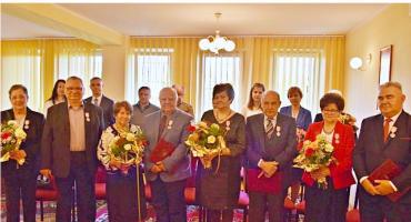 Przeżyli wspólnie aż 50 lat. Cztery pary z naszego powiatu zostały odznaczone medalami Prezydenta Rzeczypospolitej Polskiej