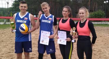 Licealiści grali w siatkówkę plażową. Kto został mistrzem powiatu?