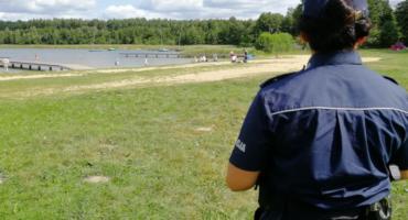 Policjanci pojawili się w Decznie i na innych kąpieliskach. Sprawdzamy, co tam robili