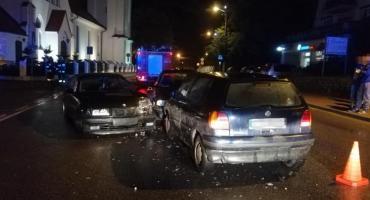 Kobieta rozbiła cztery samochody. Jechała środkiem drogi