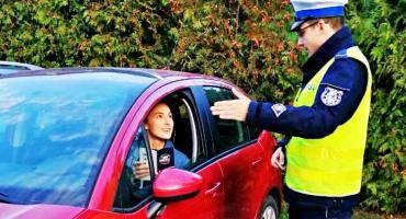 Policjanci kontrolowali światła w samochodach. Czy Waszym zadaniem takie akcje są potrzebne? [ZDJĘCIA]