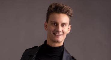 Mister włosów i elegancji. Jakub Bzdawka nieźle poradził sobie na konkursie Mister Polski 2019