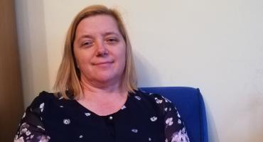 Doradzi, pomoże i wysłucha propozycji - taka jest pani Anna Kruczyńska, kierownik biblioteki w Bukowcu