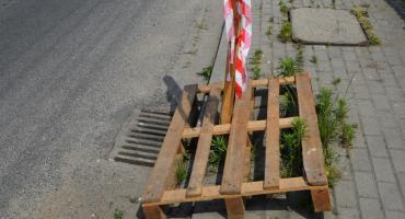 Dziura w chodniku