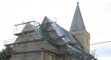 Kościół odzyskuje dach