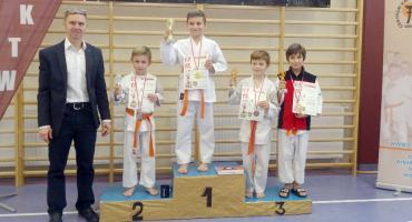 Cztery medale głuchołaskich karateków