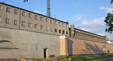 Miasto za więziennym murem
