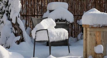 Jak zabezpieczyć aluminiowe meble ogrodowe po sezonie?