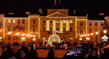 Świąteczna iluminacja i Mikołaj na Starym Rynku [ZDJĘCIA]