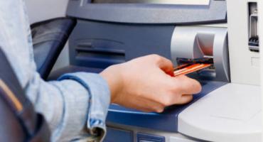 W Płocku złodzieje wysadzili bankomat
