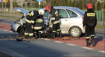 Ranny motocyklista przetransportowany śmigłowcem do szpitala