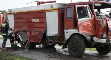 Wóz strażacki w rowie. Wracali z pożaru