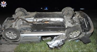 21-letni mężczyzna zginął w wypadku. Czworo pasażerów trafiło do szpitala