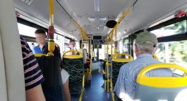 Autobus wozi ludzi, ale nie wiadomo ile kosztuje