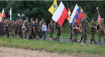 Na Jasną Górę wyruszyli także żołnierze