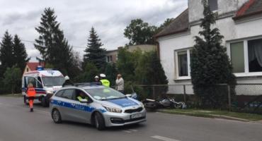Dęblin: Motocyklista uderzył w samochód. Nie miał prawa jazdy