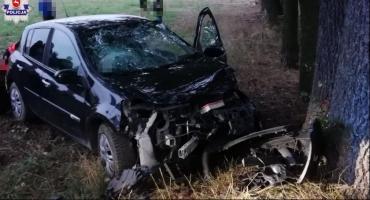 36-latka uderzyła w drzewo