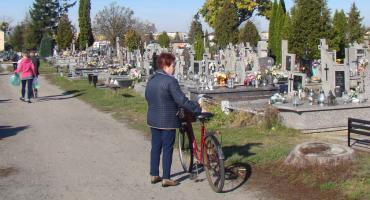 Nie daj się okraść odwiedzając groby bliskich