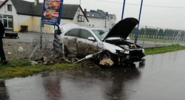 Poszukiwany 19-latek rozbił auto. Wcześniej pił