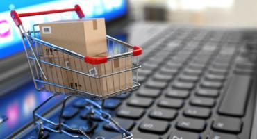 Robisz zakupy w sieci? Uważaj na oszustów.