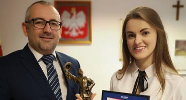 Sopranistka Agnieszka Grabowska gościła u Starosty