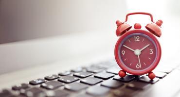 Wymiar czasu pracy - jak obliczyć ilość godzin pracy w miesiącu?