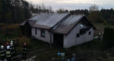 Strażacy walczyli z pożarem domu mieszkalnego w Chwaszczynie