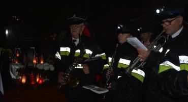 Strażackie zaduszki - modlili się za strażaków, którzy odeszli na wieczną służbę