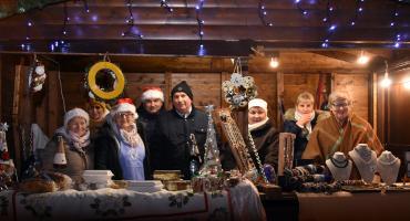 W Żukowie trwa Jarmark Bożonarodzeniowy - pierwszy dzień zakończyły piękne koncerty