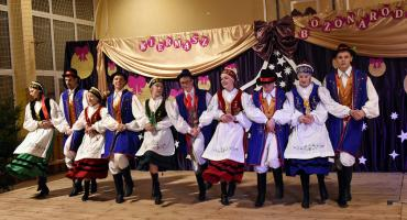 Kaszubskie akcenty na kiermaszu mikołajkowym w Szymbarku