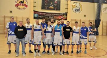Charytatywny mecz koszykówki dla Igi ze zwycięstwem KS BAT Sierakowice
