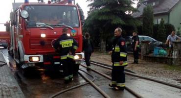 Pozalewane piwnice, posesje i drogi - strażacy interweniowali