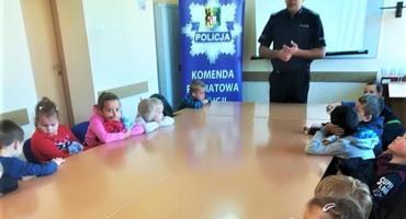Przedszkolaki z wizytą u kościerskich policjantów