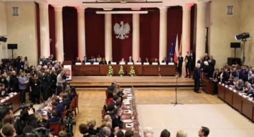 """Rada Warszawy zrobiła numer na """"rympał"""""""