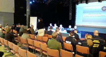 Debata o bezpieczeństwie we Włochach
