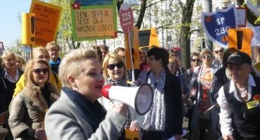 Nauczyciele strajkują i maszerują